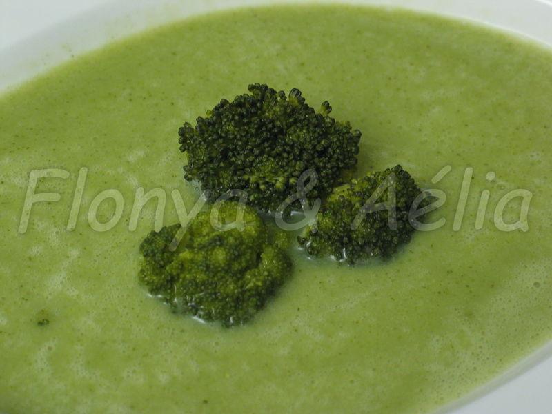 Velout de brocoli au thermomix flonya et a lia - Veloute brocolis thermomix ...